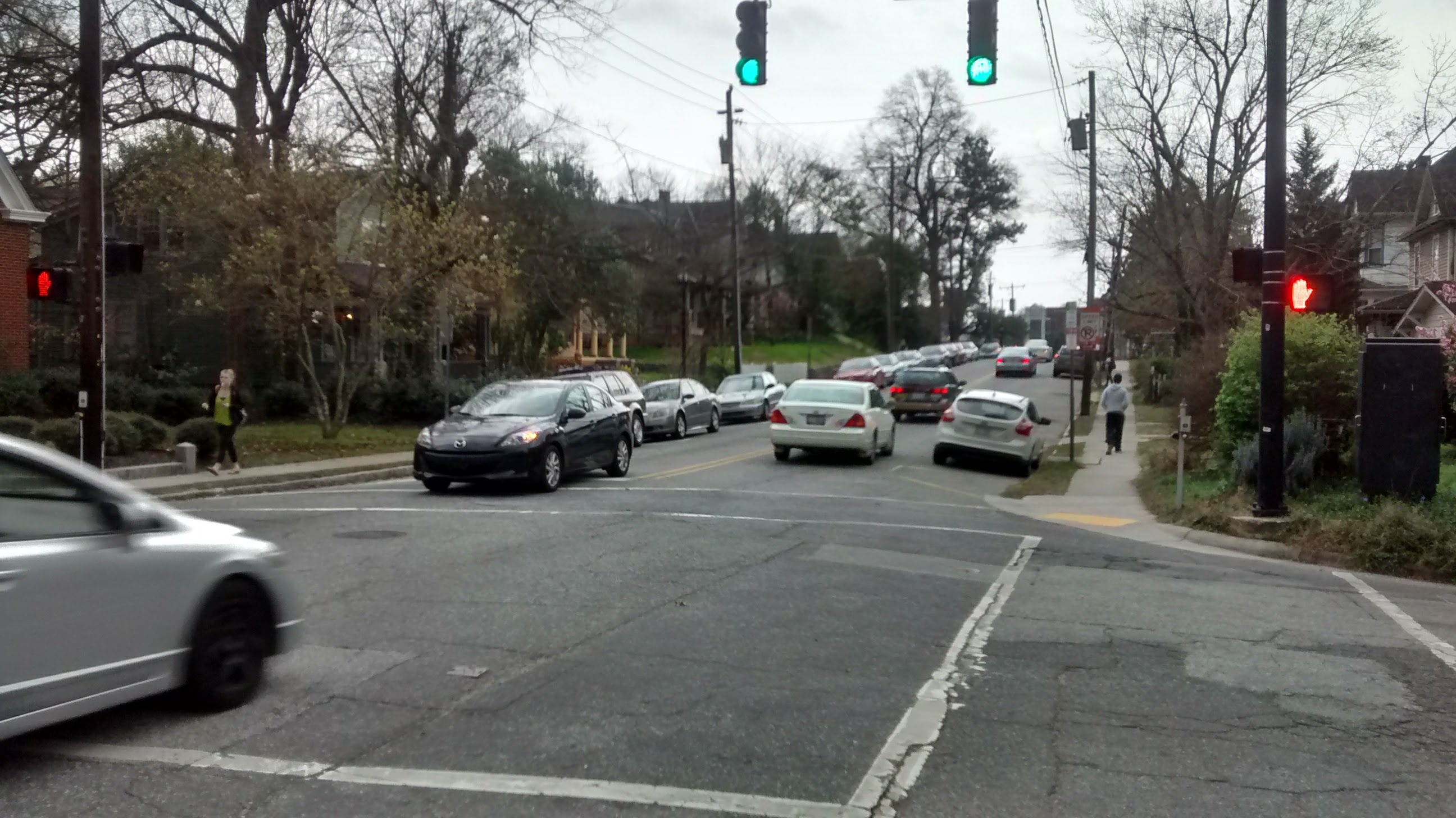 Traffic at Tate and Carr streets